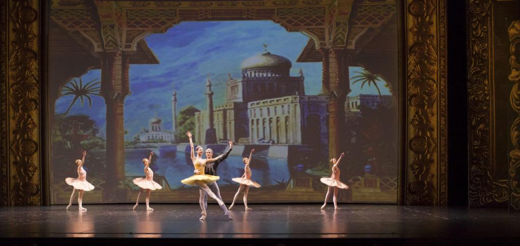Dance Open in St. Petersburg – getanzt wurde auf TÜCHLERs TANZBELAG CONSOR